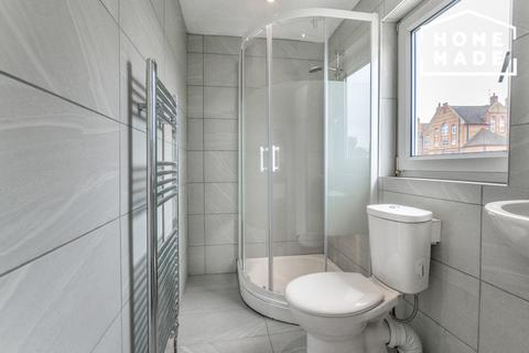 6 bedroom terraced house to rent - Corporation Street, West Ham