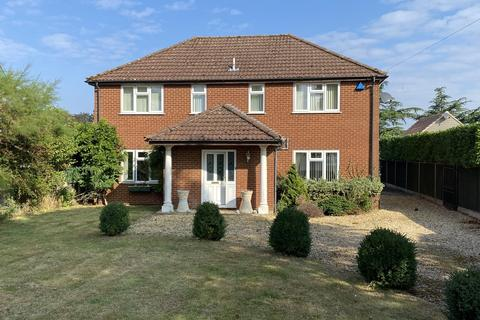 4 bedroom detached house for sale - Grimston Road, South Wootton