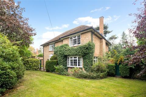 4 bedroom detached house for sale - Church Road, Farnham Royal, SL2