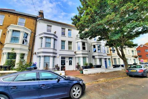 2 bedroom apartment for sale - Gordon Road, Cliftonville