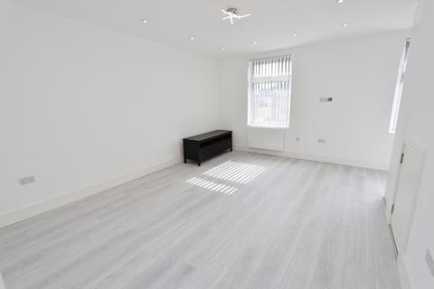 1 bedroom flat to rent - Collier Row Road, Romford, RM5