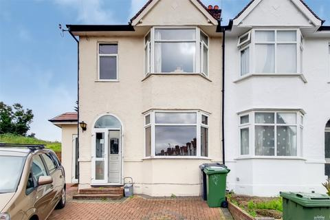 4 bedroom end of terrace house for sale - Barriedale, London, SE14