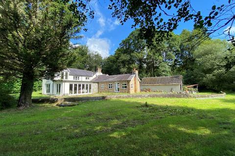 3 bedroom property with land for sale - Llansawel, Llandeilo, SA19