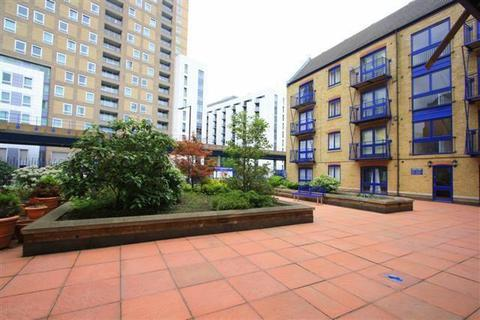 2 bedroom flat for sale - Peninsula Court, 121 East Ferry Road, Canary Wharf, London, E14 3LH