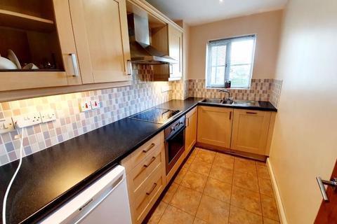 2 bedroom apartment to rent - Church Street, Edmonton, London N9