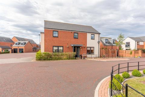 5 bedroom detached house for sale - Kimmerstone Road, Greenside, Great Park