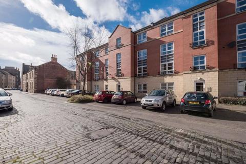 2 bedroom flat to rent - ELBE STREET, LEITH, EH6 7HL