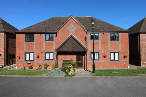 2 bedroom apartment to rent - Holioake Drive, Warwick