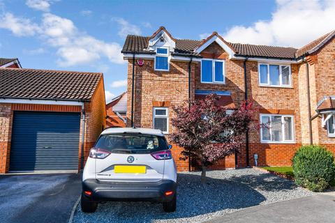 3 bedroom semi-detached house for sale - Downhill Drive, Bransholme, Hull