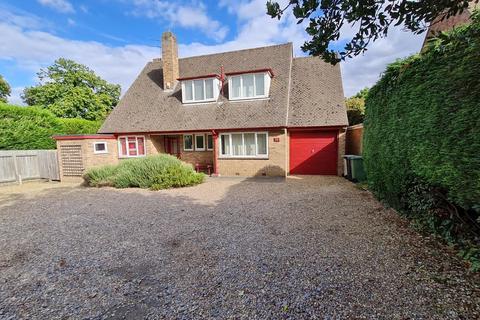 4 bedroom detached bungalow for sale - Burley Road, Oakham