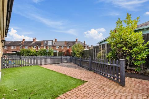 2 bedroom house for sale - Buckfast Road, Morden