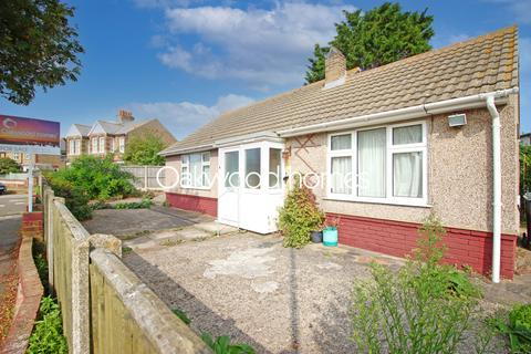 2 bedroom detached bungalow for sale - Grafton Road, St Peters, Broadstairs