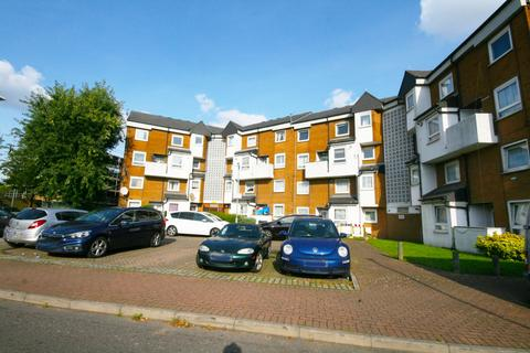 3 bedroom maisonette for sale - Buttsbury Road, Ilford, Essex, IG1
