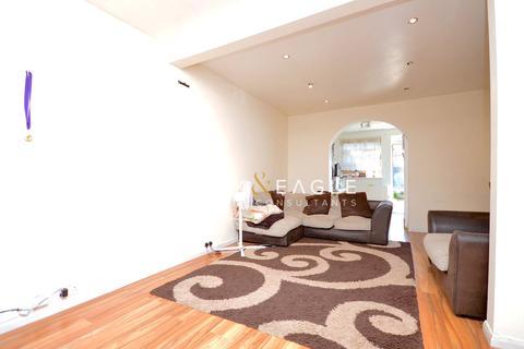 2 bedroom semi-detached house to rent - Tresham Road , Barking, London, IG11