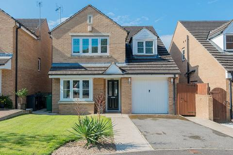 4 bedroom detached house for sale - Bream Avenue, Cleckheaton, BD19