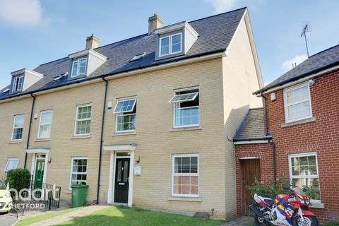 4 bedroom townhouse for sale - Crown House Close, Thetford