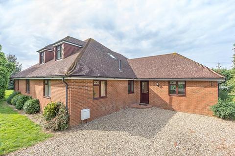 6 bedroom detached house to rent - Old House Lane, Hartlip, Sittingbourne, ME9
