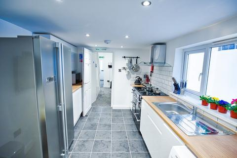 5 bedroom house share to rent - Wellington St, Gravesend