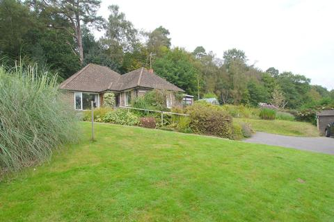 3 bedroom detached bungalow for sale - Seal Chart, Sevenoaks, TN15