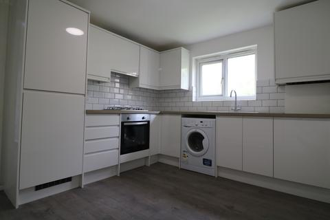 3 bedroom block of apartments to rent - Springhill Close, London SE5