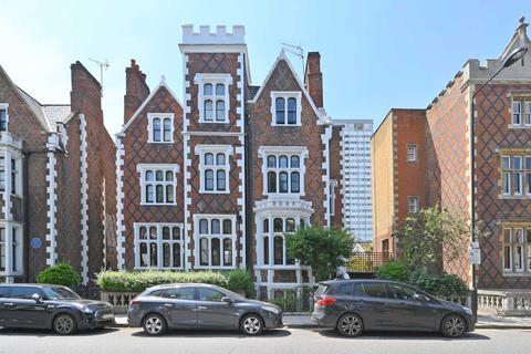 4 bedroom semi-detached house for sale - St Ann`s Villas, London