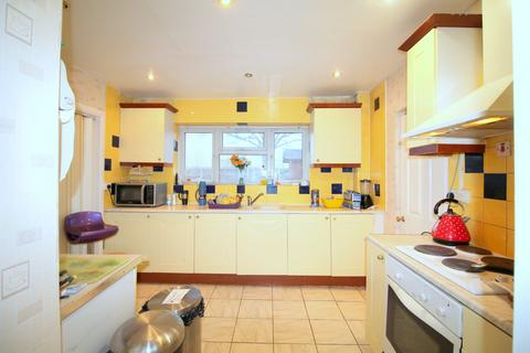 1 bedroom in a house share to rent - Room 1 , Sugden Way, Barking IG11