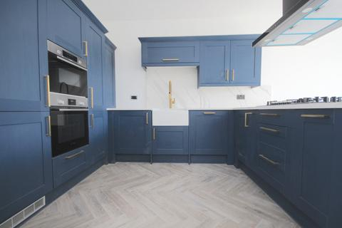2 bedroom apartment to rent - Oakwood Apartments, fairview road London, SW16