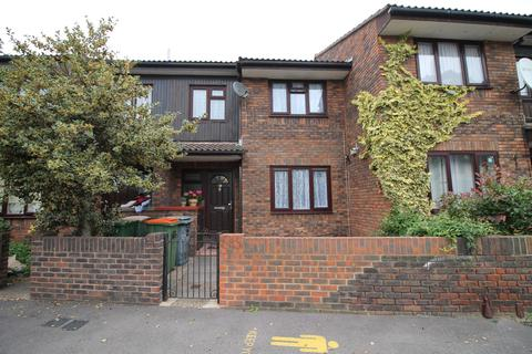 3 bedroom terraced house for sale - Canning Town, London, E16