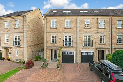 4 bedroom townhouse for sale - Ron Lawton Crescent, Burley in Wharfedale