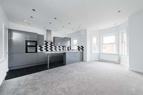 3 bedroom apartment to rent - Probyn Road, Tulse Hill, London, SW2