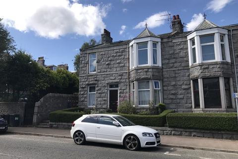 5 bedroom flat to rent - Leslie Road