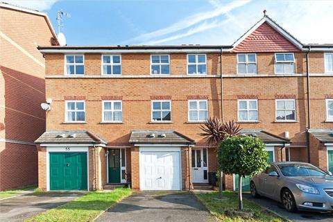4 bedroom house to rent - Massingberd Way, Tooting Bec, London, SW17