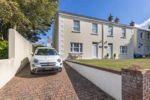 3 bedroom terraced house to rent - Les Maisons Collette, Collings Road, St. Peter Port, Guernsey