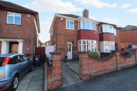 3 bedroom semi-detached house for sale - Bembridge Road, Leicester