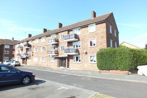 2 bedroom flat to rent - Cottimore Lane, Walton-On-Thames