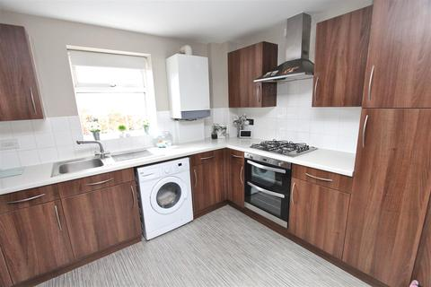2 bedroom flat to rent - Nettle Way, Minster On Sea, Sheerness