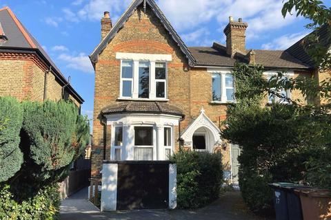 3 bedroom flat for sale - Trewsbury Road, Sydenham