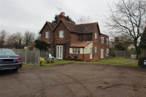 1 bedroom flat to rent - Stapleford Road, Stapleford Tawney, Romford