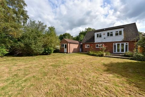 4 bedroom detached house to rent - Winkfield Street, Winkfield, Windsor, Berkshire, SL4