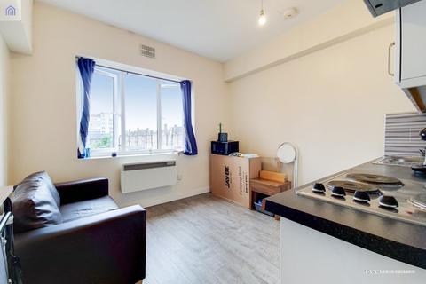 2 bedroom apartment to rent - Camden Road, London, N7