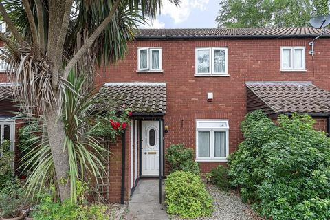 3 bedroom semi-detached house for sale - St. Pauls Close, Ealing