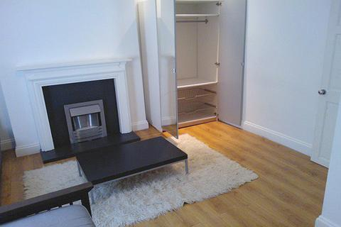 3 bedroom terraced house to rent - RIVERDALE ROAD, PLUMSTEAD, LONDON SE18