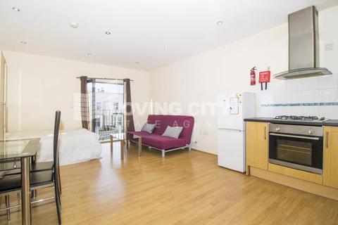 Studio to rent - Zurich House, Hatfield Road, Stratford, E15