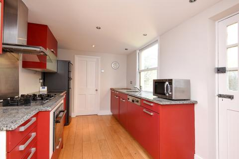 3 bedroom house to rent - Squarey Street Earlsfield SW17