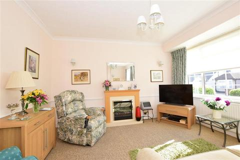 3 bedroom bungalow for sale - Alma Avenue, Hornchurch, Essex