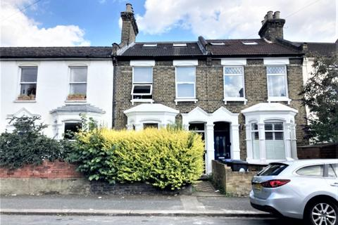 6 bedroom flat to rent - Napier Road, Leytonstone, E11
