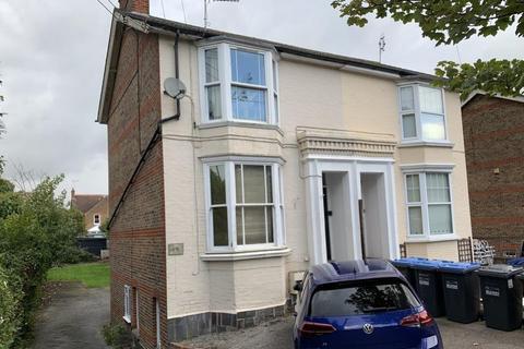 1 bedroom flat to rent - Sydney Road, Haywards Heath, West Sussex, RH16 1QD