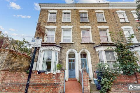 5 bedroom semi-detached house for sale - Osterley Road, Stoke Newington, London, N16
