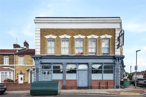 3 bedroom flat to rent - London Road, London, E13