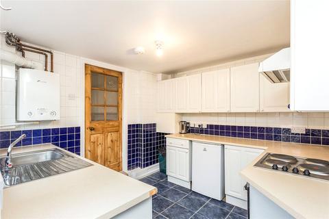 3 bedroom terraced house to rent - Kenlor Road, London, SW17